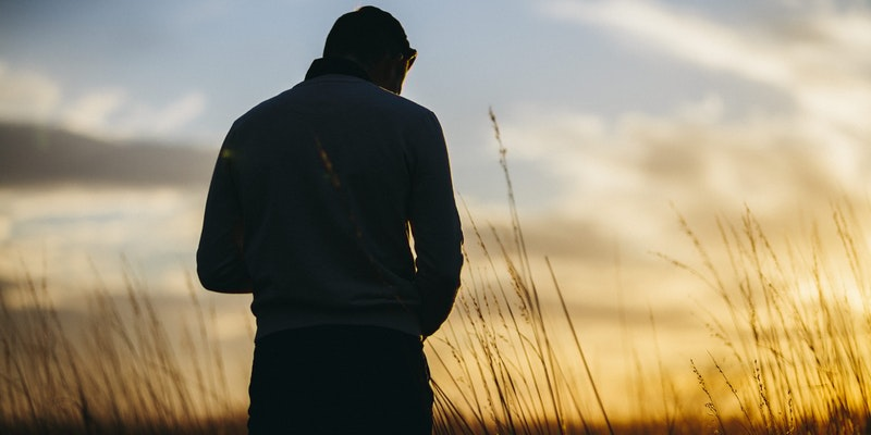 ¿Qué debes hacer si estás pensando en suicidarte?