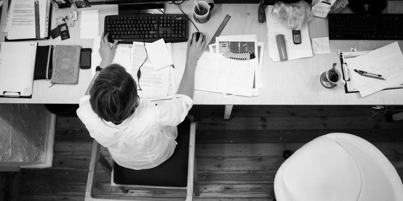 Cómo pueden la ansiedad y depresión afectar nuestra vida laboral.