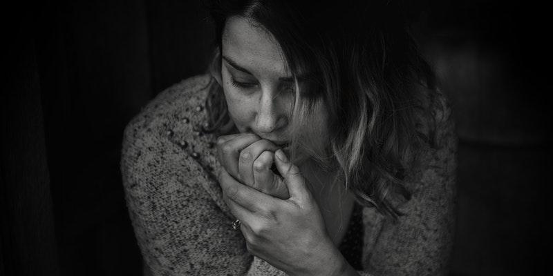 """5 síntomas """"vergonzosos"""" de la ansiedad de los que nadie habla"""