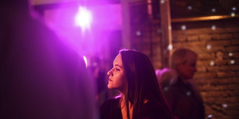 5 cosas que debes recordar cuando te sientes ansioso en un evento social: