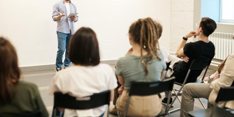 Conversaciones que salvan vidas en centros educativos